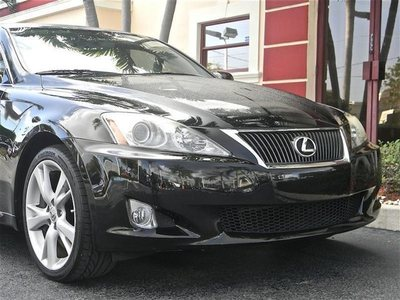 http://cardealers.net/uimages/vehicle/120419/med/2009-Lexus-IS-350-Sedan-JTHBE262392016577-5315.jpeg