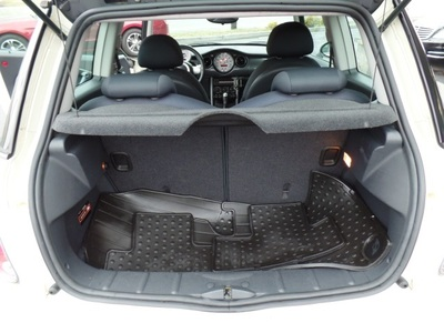 2006 MINI Cooper HEATED FABRICS FRONT SEATS, AFFOR Hatchback