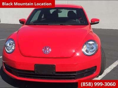 2013 Volkswagen Beetle-Classic 2.5L Leather Loaded Hatchback