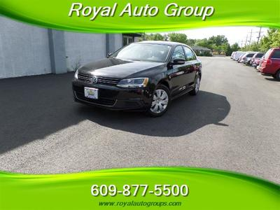 2013 Volkswagen Jetta SE, TRIPLE BLACK ,SILVER CERTIFIED Sedan