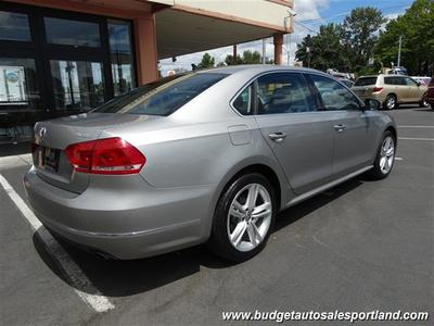 2012 Volkswagen Passat V6 SEL Premium Navigation ONE OWN Sedan