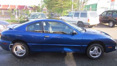 View 2003 Pontiac Sunfire Interior