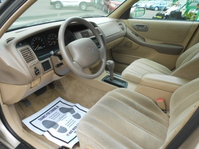 1997 Toyota Avalon XL Sedan