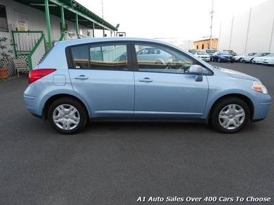 ... 2011 Nissan Versa 1.8 S Hatchback ...