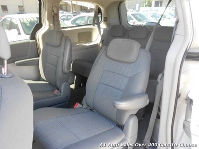 2010 Chrysler Town & Country Touring Van